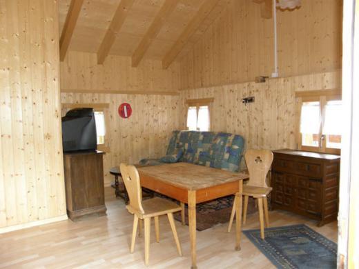 mayen maiens ss mit 2 st llen und 6 39 209 m2 land zufahrt. Black Bedroom Furniture Sets. Home Design Ideas
